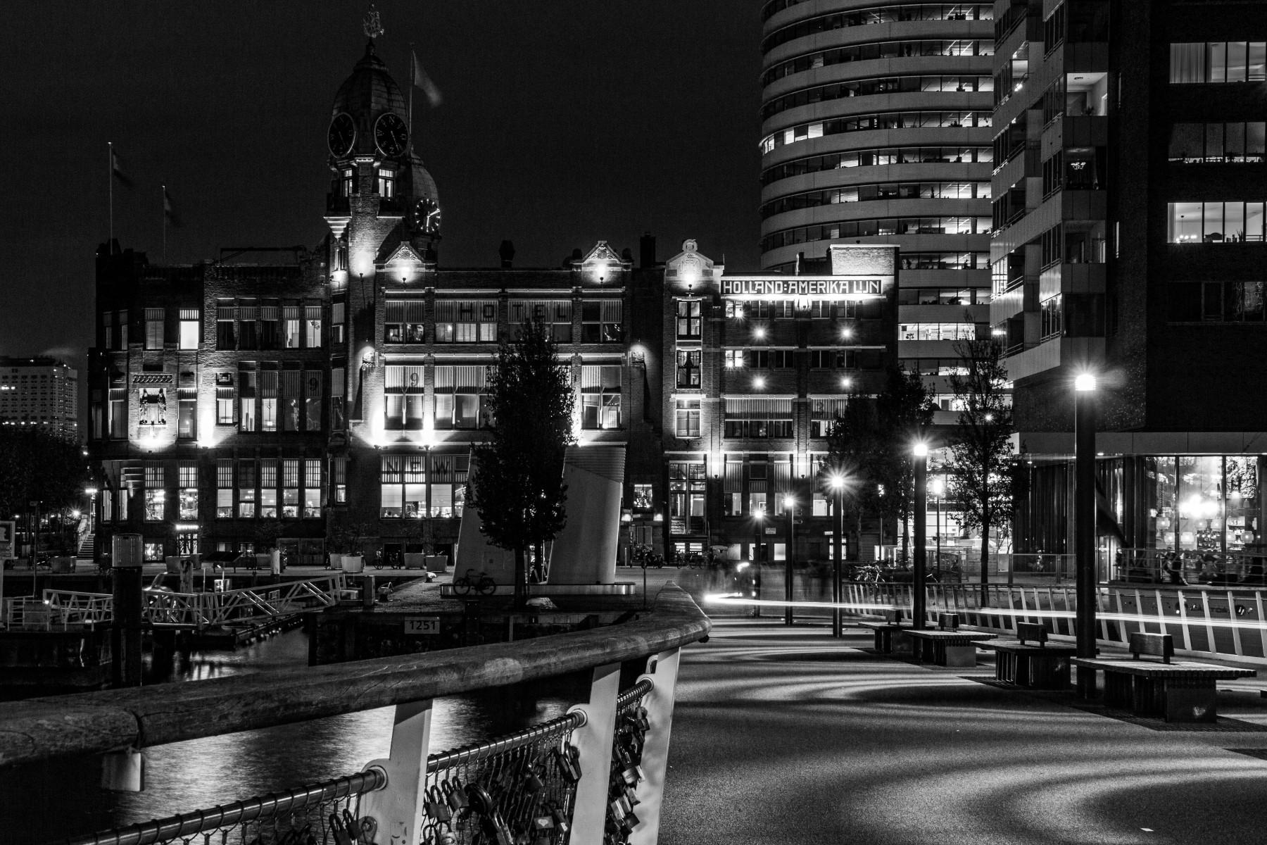 Inge Pfeil: Rotterdam, Kop van Zuid