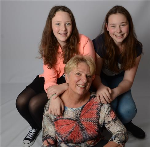 Susan , Nienke en Oma