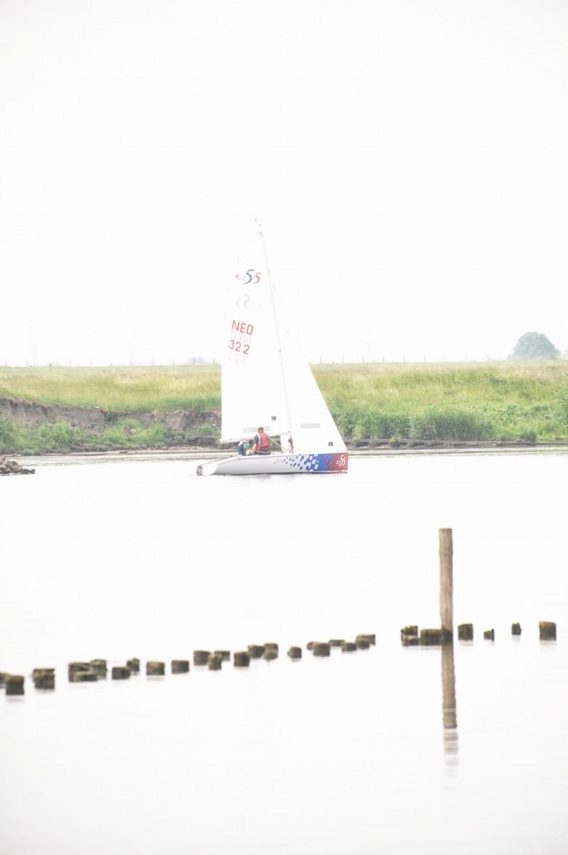 Bianca Dekkers-van Uden, zeilbootje in de Rijn, Uiterwaarden Wageningen